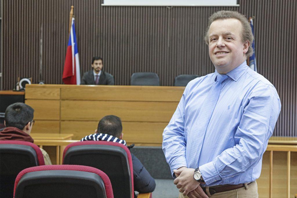 BORIS FIEGELIST VENTURELLI, Director de Derecho (Concepción).