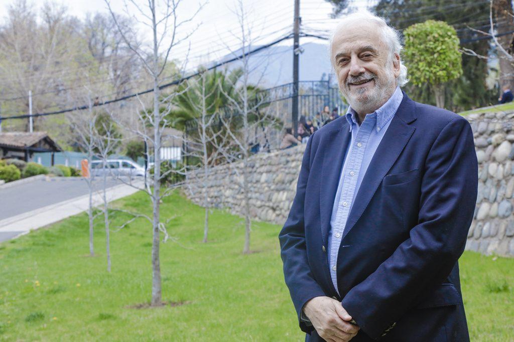 DANIEL MEYER, Director de Ingeniería en Administración Hotelera Internacional (Santiago).