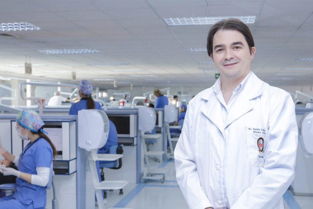 DR. RAMÓN SCHLIEPER CACCIUTTOLO, Director de Odontología (Viña del Mar).