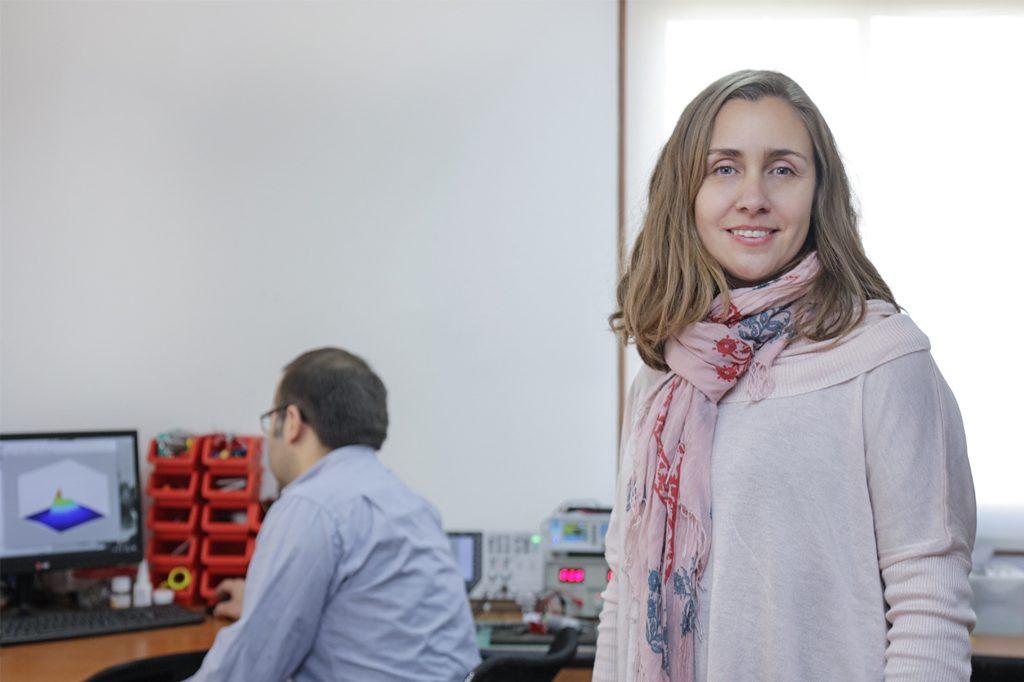 ALEJANDRA MONTECINOS, Directora de Ingeniería Física en Santiago.