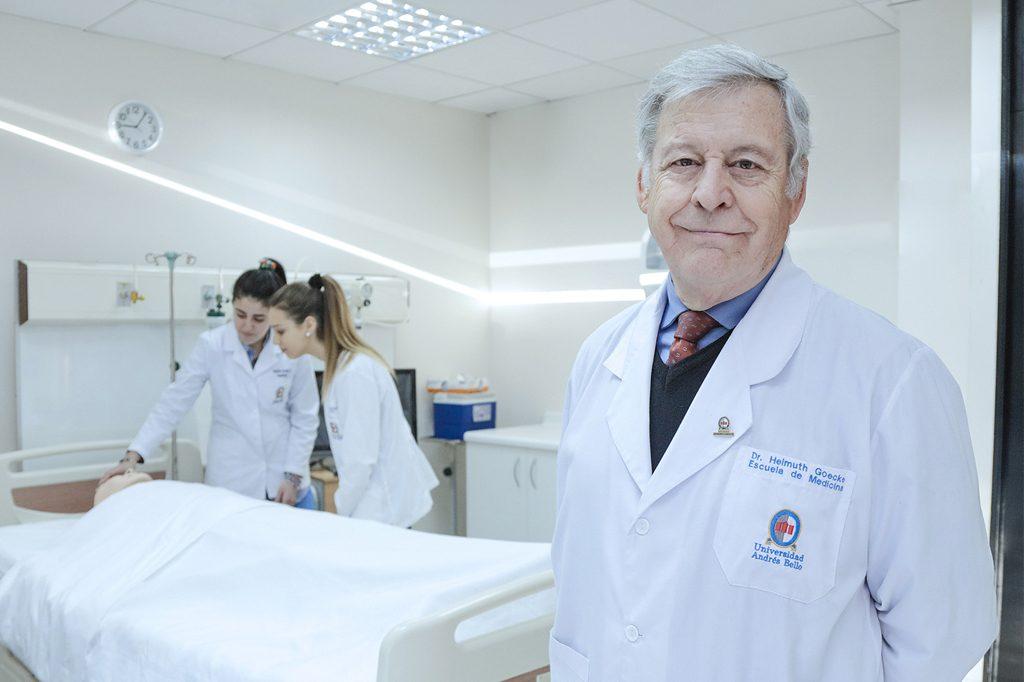 DR. HELMUTH GOECKE, Director de Medicina (Concepción).