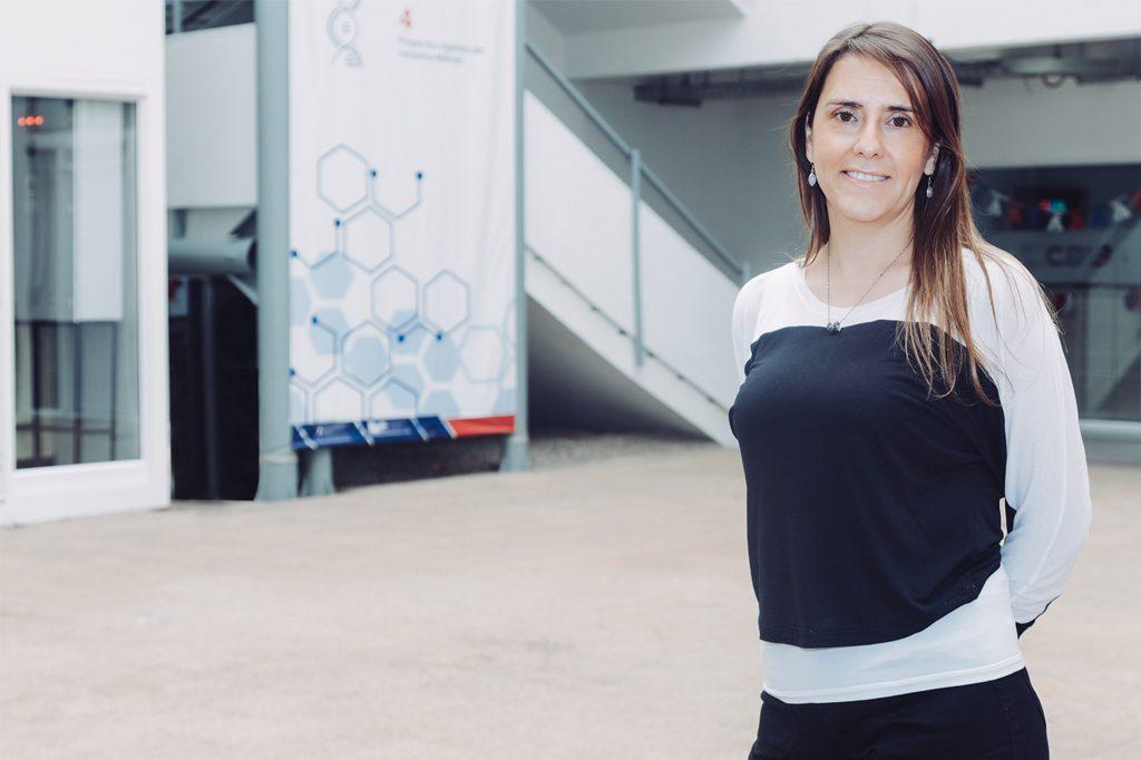 DRA. MARÍA CECILIA GAMBORA, Directora de Bachillerato en Ciencias (Santiago).