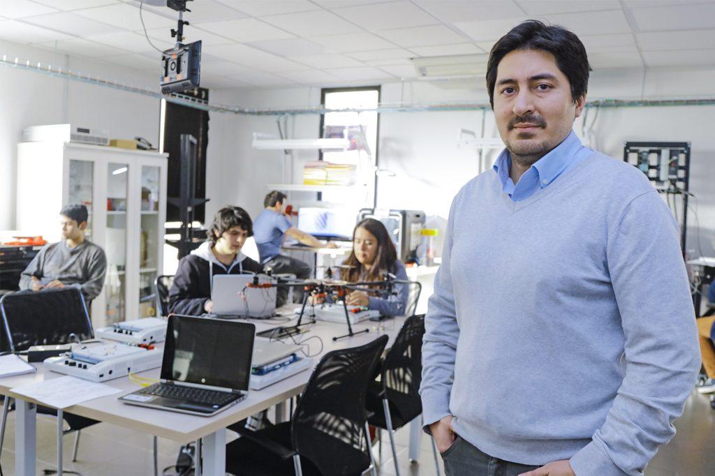 LUIS AMIGO, Director de Ingeniería en Automatización y Robótica Vespertino (Santiago).