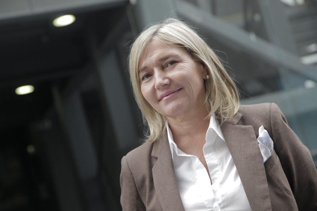 MARUZELLA ROSSI, Directora de Escuela Contador Auditor.
